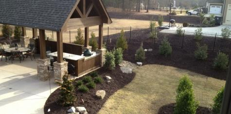 landscape chocolate brown mulch 1