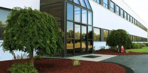 lanscape red mulch landscaping commercial